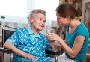 La figura dell'assistente familiare è di fondamentale importanza per la famiglia